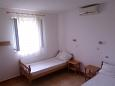 Bedroom 3 - Apartment A-11772-a - Apartments Splitska (Brač) - 11772