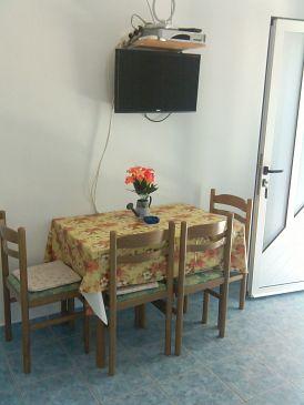 Slatine, Dining room u smještaju tipa apartment, dostupna klima i WIFI.