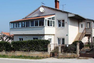 Property Pula (Pula) - Accommodation 11811 - Apartments with pebble beach.