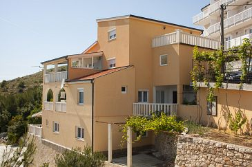 Property Zavode (Omiš) - Accommodation 11861 - Apartments with pebble beach.