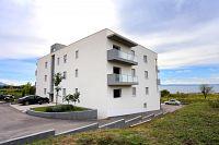 Split Apartments 11863