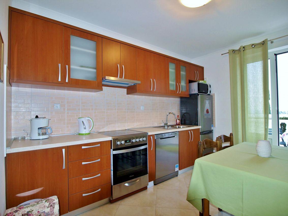 Apartmány s parkoviskom v meste Rab - 12616