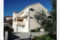 Apartments with a parking space Okrug Gornji (Čiovo) - 13562
