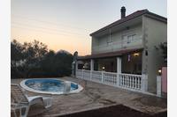 Дом для семьи с бассейном Kostanje (Omiš) - 14176