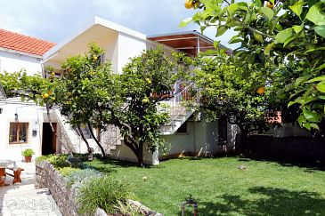 Property Lumbarda (Korčula) - Accommodation 156 - Apartments with sandy beach.