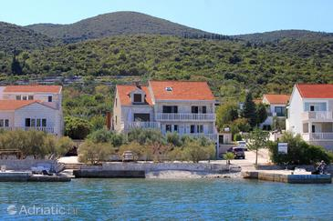 Property Kneža (Korčula) - Accommodation 166 - Apartments near sea with pebble beach.