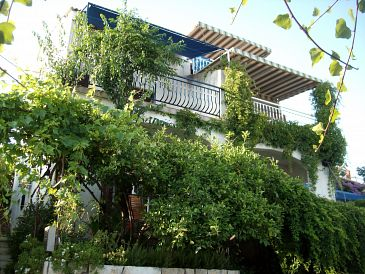 Property Seget Vranjica (Trogir) - Accommodation 2037 - Apartments near sea.