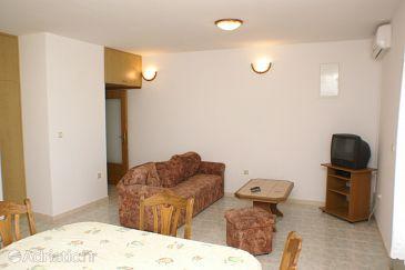 Apartment A-2041-d - Apartments Seget Donji (Trogir) - 2041