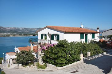 Property Mastrinka (Čiovo) - Accommodation 2049 - Apartments near sea with pebble beach.