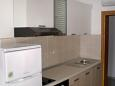 Kitchen - Apartment A-2073-d - Apartments Uvala Pokrivenik (Hvar) - 2073