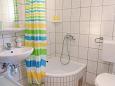 Rastići, Bathroom u smještaju tipa studio-apartment, dopusteni kucni ljubimci i WIFI.