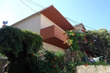 Property Sumpetar (Omiš) - Accommodation 2099 - Apartments and Rooms near sea with pebble beach.