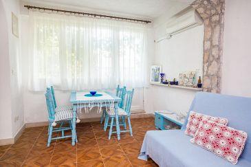 Osibova, Jadalnia w zakwaterowaniu typu studio-apartment, dostupna klima i WIFI.
