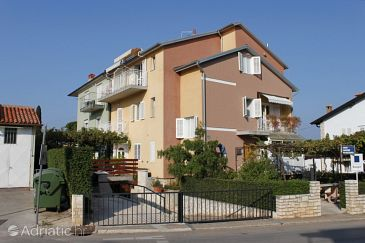 Property Rovinj (Rovinj) - Accommodation 2224 - Apartments with pebble beach.