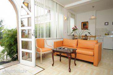 Opatija, Living room u smještaju tipa apartment, dostupna klima.