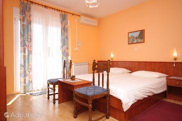 Lovran, Bedroom u smještaju tipa room, dostupna klima, dopusteni kucni ljubimci i WIFI.