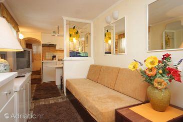 Lovran, Living room u smještaju tipa apartment, dostupna klima i WIFI.