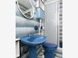 Bathroom - Room S-2350-d - Apartments and Rooms Novi Vinodolski (Novi Vinodolski) - 2350