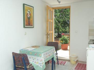 Rovinj, Jadalnia w zakwaterowaniu typu studio-apartment, dostupna klima i WIFI.