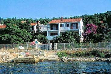 Property Okrug Gornji (Čiovo) - Accommodation 2406 - Apartments near sea with pebble beach.