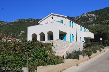 Property Komiža (Vis) - Accommodation 2425 - Apartments with pebble beach.