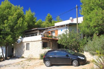 Property Rukavac (Vis) - Accommodation 2444 - Apartments with pebble beach.