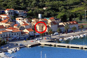 Property Vis (Vis) - Accommodation 2463 - Apartments near sea with pebble beach.