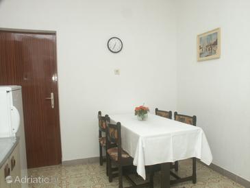 Mali Lošinj, Dining room u smještaju tipa apartment.