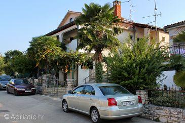 Novigrad, Novigrad, Property 2536 - Apartments with pebble beach.
