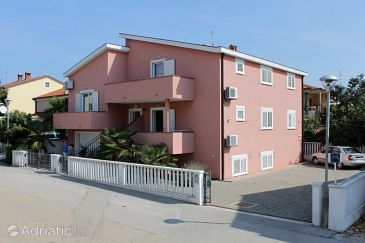 Property Umag (Umag) - Accommodation 2548 - Apartments with sandy beach.