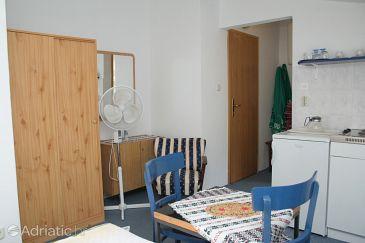 Trpanj, Dining room u smještaju tipa studio-apartment, dopusteni kucni ljubimci i WIFI.