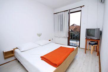 Podaca, Bedroom u smještaju tipa room, dostupna klima i WIFI.
