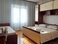 Bedroom 2 - Apartment A-2630-b - Apartments Makarska (Makarska) - 2630