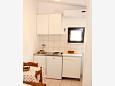 Bratuš, Kitchen u smještaju tipa studio-apartment, dostupna klima i WIFI.