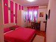 Bedroom - Room S-2675-b - Apartments and Rooms Baška Voda (Makarska) - 2675
