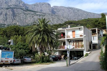 Property Tučepi (Makarska) - Accommodation 2676 - Apartments with pebble beach.