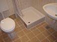 Bratuš, Bathroom u smještaju tipa apartment, WIFI.