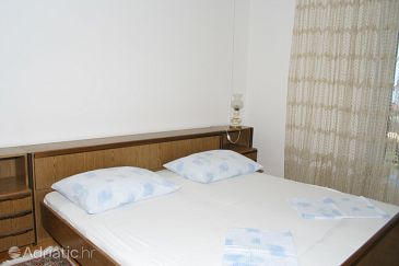 Room S-2723-a - Apartments and Rooms Makarska (Makarska) - 2723