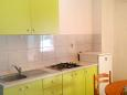 Kitchen - Apartment A-2732-a - Apartments Drvenik Donja vala (Makarska) - 2732