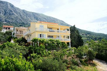 Property Živogošće - Porat (Makarska) - Accommodation 2733 - Apartments and Rooms near sea with pebble beach.