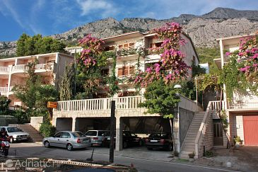 Property Brela (Makarska) - Accommodation 2752 - Apartments and Rooms near sea with pebble beach.