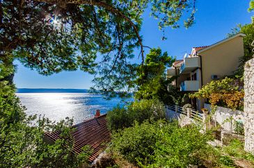 Property Pisak (Omiš) - Accommodation 2802 - Apartments near sea with pebble beach.