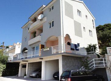Property Duće (Omiš) - Accommodation 2812 - Apartments near sea with sandy beach.