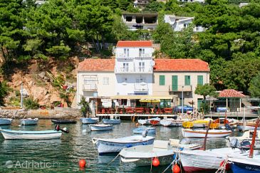 Property Pisak (Omiš) - Accommodation 2825 - Apartments near sea with pebble beach.