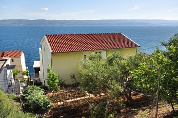 Property Pisak (Omiš) - Accommodation 2827 - Apartments with pebble beach.