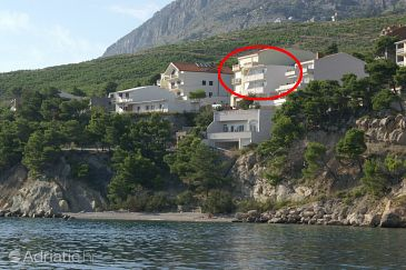 Lokva Rogoznica, Omiš, Property 2831 - Apartments blizu mora with pebble beach.