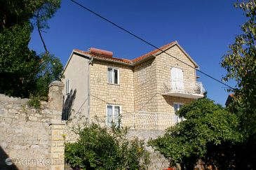 Property Supetar (Brač) - Accommodation 2839 - Apartments near sea with pebble beach.