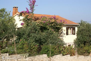 Property Supetar (Brač) - Accommodation 2863 - Apartments with pebble beach.