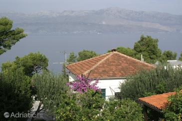 Splitska, Brač, Property 2865 - Apartments blizu mora with rocky beach.