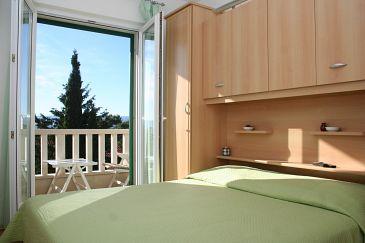 Bol, Bedroom u smještaju tipa room, dostupna klima i WIFI.